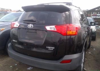 Podręczniki / Literatura / Przeglądy Toyota RAV4 IV